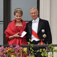 Queen Mathilde wore the Wolfers Tiara with diamond and pearl earrings and her large diamond and pearl brooch.