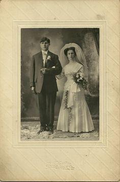 Vintage wedding photo taken in Louisville, Kentucky.