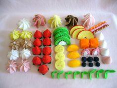 Kids Crafts, Felt Crafts, Fabric Crafts, Diy And Crafts, Food Pillows, Felt Food Patterns, Felt Fruit, Felt Cake, Felt Play Food