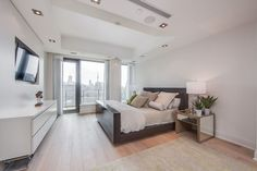 77 Charles St West Toronto Suite 1402 Yorkville Luxury 2 Bedroom Condo Huge Terrace For Lease Boho Chic Living Room, Decor Home Living Room, Small Living Rooms, Living Room Modern, Living Room Designs, Home Decor, Bedroom Corner, Luxury Condo, Floor To Ceiling Windows