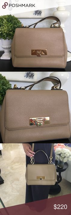 MICHAEL Michael Kors CALLIE LEATHER SATCHEL CAMEL Stunning camel color leather Satchel from Michael Kors, adjustable leather trap with gold hardware. Chic and roomy. Perfect for any occasion. Michael Kors Collection Bags Satchels