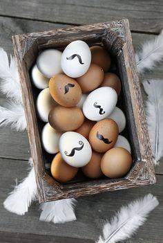 Ovos de Páscoa decorados com bigode português | Eu Decoro
