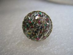 Vintage Lucite Glitter Confetti Ring, Round, Domed, Adj.  sz. 5-9, Gold Tone #Unsigned #cocktailfashion