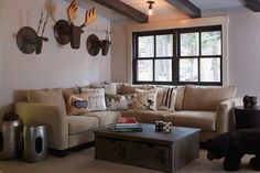 You Need To Read These Tips To Make Your Living Room Livable From Its Wall Decorations