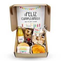 Cute Birthday Gift, Happy Birthday Gifts, Breakfast Basket, Picnic Box, Valentines Breakfast, Food Gifts, Bff Gifts, Food Truck Design, Gift Wraping
