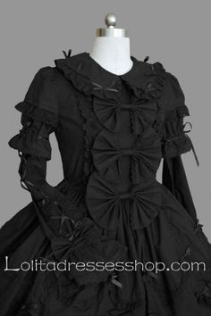 halloween goth raggedy ann-would be cool if I can change the black ribbons to hot pink ribbons
