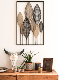 Black and Gold Metal Feather Wall Art String Art Diy, Diy Wall Art, Diy Wall Decor, Diy Art, Diy Home Decor, Feather Wall Art, String Art Patterns, Deco Boheme, Baskets On Wall