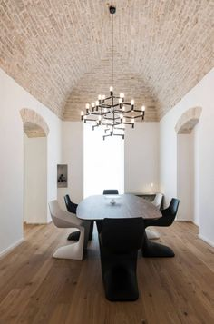 The Spatial Continuity by Marco Tassiello Architetto Interior Architecture, Interior Design, Dining Room Lighting, Dining Rooms, Architectural Features, Second Floor, Furniture Decor, Living Area, House Design