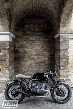 BMW r75 crd replica built by Robinson's speed shop, all build enquires please contact Luke@robinsonsspeedshop.com or visit us on Facebook.com/robinsonsspeedshop