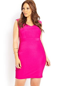 Bright pink dress for plus size. Great options for valentine's day. plus size fashion for women, #curvy fashion.