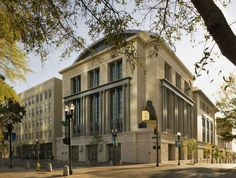 The Jacksonville Public Library in Florida combines classical architectural elements- RAMSA Jacksonville Florida, Florida City, Arch Building, Classical Architecture, Unique Architecture, Residential Architecture, Architectural Elements, Architectural Drawings, Architectural Digest