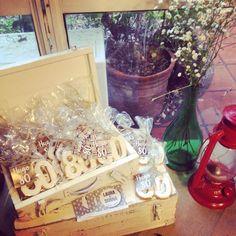Cumpleaños #80 de Hugo / Souvenirs / Galletitas / Ambientación rústica campestre / Fiestas / Birthday party / Cookies giveaway / Party decor / Rustic / Adults / By LAURA&DONNA / Contact us: lauraydonna@gmail.com