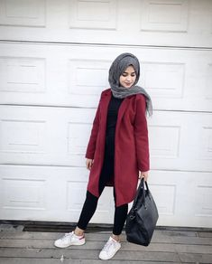 Pinterest: @adarkurdish Hijab Chic, Hijab Style, Casual Hijab Outfit, Cute Casual Outfits, Chic Outfits, Islamic Fashion, Muslim Fashion, Lookbook Hijab, How To Wear Hijab