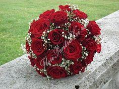 buchet_de_mireasa_trandafiri_rosii_floarea_miresei