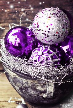 Raindrops and Roses: Photo Pallet Christmas, Purple Christmas, Christmas Bulbs, Christmas Decorations, Xmas, Holiday Decor, Raindrops And Roses, All Things Purple, Purple Lilac