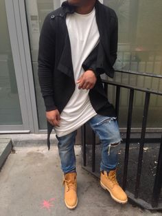 Fly guy in timbs. Mens Fashion Casual Shoes, Dope Fashion, Fashion Moda, Urban Fashion, Swag Fashion, Fashion Pants, Timberland Outfits Men, Timbs Outfits, Timberland 6