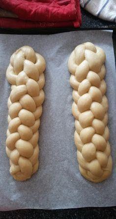 Helenkine dobroty - Kvásková vianočka Janky Maňákovej How To Make Bread, Croissant, Beans, Baking, Vegetables, Advent, Basket, How To Bake Bread, Crescent Roll