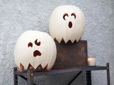 Ghost Pumpkins >> http://www.diynetwork.com/how-to/make-and-decorate/decorating/2015-pictures/unique-pumpkin-decorating-ideas-for-2015-