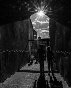 Girona  #girona #sun #couple #Loves_Catalunya #CatalunyaGrafias #Catalunya_Monumental #CatalunyaExperience #Insta_World_Life_ #Instagram #instacatclub #girona_turisme #blackandwhite #nonfilter #gameofthrones