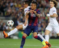 Partido  de los cuarto de finales FC Barcelona- París Saint Germain. Marquinhos y Neymar. Foto: PEP MORATA