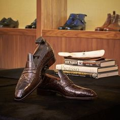 Leatherfoot : Finest bespoke tailoring, men's shoes and accessories.