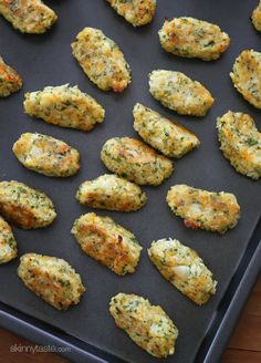 Cauliflower Tots also includes a link to zucchini tots. *Blended in magic bullet so would stick together on cooking pan. Subbed Italian herbs vs parsley- not good! Zucchini Tots, Cauliflower Tots, Cauliflower Recipes, Vegetable Recipes, Vegetarian Recipes, Cooking Recipes, Healthy Recipes, Advocare Recipes, Protein Recipes