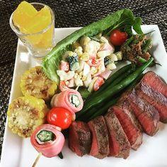 本日のお昼ごはん! ステーキが食べたいと言われたのでお昼からステーキ(๑˃͈꒵˂͈๑)今日はマルエツで牛肉4割引きだからラッキー🤞 #お昼ごはん #ランチ#ステーキ#ワンプレート#ranch #肉 #ごはん #うちごはん
