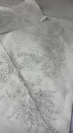 This Pin was discovered by Dee Brazilian Embroidery Stitches, Jacobean Embroidery, Tambour Embroidery, Blackwork Embroidery, Hand Work Embroidery, Embroidery Motifs, Border Embroidery Designs, Embroidery Flowers Pattern, Floral Embroidery