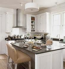 Cottage Living New Orleans idea house kitchen Cottage Kitchens, Home Kitchens, New Kitchen, Kitchen Dining, Kitchen Ideas, Cozy Kitchen, Kitchen Stools, Kitchen Decor, White Kitchen Inspiration