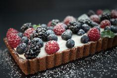 Crostata al cioccolato con frutti di bosco