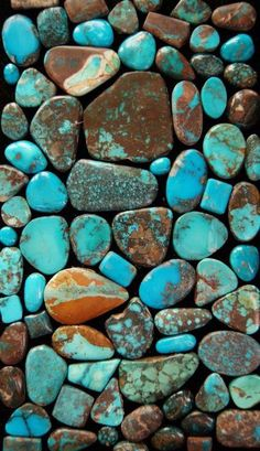 Turquoise Junkie - Quick facts on Varieties of Turquoise for the Turquoise Junkies! — California Dreamin' by Amy Witt - Bisbee Turquoise - Bisbee Turquoise, Turquoise Stone, Turquoise Jewelry, Pierre Turquoise, Bleu Turquoise, Minerals And Gemstones, Rocks And Minerals, Beaded Beads, Jean Délavé