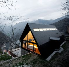house in the Pyrenees / cadaval sola morales