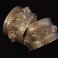 Silver, pair, Algeria These old Berber bracelets have a splendid work of silver granulation and belong to the dowry of the bride. Often, as in Morocco, the goldsmithery of quality was carried out by the Jews,  themselves  influenced by the hellenistic art  in their models…
