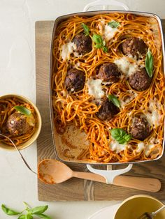 Baked Bucatini and Meatballs//spoon fork bacon Dinner Dishes, Pasta Dishes, Main Dishes, Rice Dishes, Spoon Fork Bacon, Spaghetti And Meatballs, Baked Spaghetti, Vegan Meatballs, Spaghetti Squash