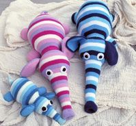 Hæklede elefanter   Søde, bløde bamser du selv kan lave   Glæd de mindste med en bamse   Gratis hækleopskrifter på de sødeste bamser og børnestrik Diy Clothes, Crochet, Inspiration, Amigurumi, Crochet Stuffed Animals, Knitting And Crocheting, Diy Clothing, Biblical Inspiration, Ganchillo
