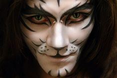 creative DIY halloween makeup for men white tiger face paint