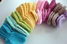 KARDEMUMMAN TALO: Toipilaan puikoilla pieniä töitä Drops Karisma, Mittens, Ethnic Recipes, Socks, Fingerless Mitts, Fingerless Mittens, Sock, Gloves, Stockings