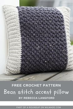Roundup of 10 free crochet patterns that are great gift ideas for Mother's Day by wilmade.com. Including this beautiful bean stitch accent pillow