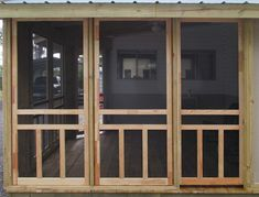 How To Screen A Patio Using Screen Doors Screen Tight – farmhouse front door with screen Screened Porch Doors, Screened Porch Designs, Screened In Deck, Enclosed Porches, Patio Doors, Diy Screen Porch, Cabin Porches, Front Porches, Wooden Screen Door