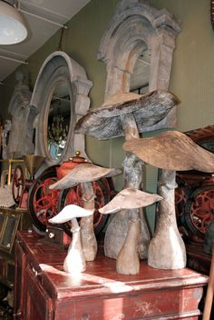 I need some fungi love.mine didn't grow this year thanks to mr farmer next door and his sprays Mushroom Crafts, Mushroom Decor, Mushroom Art, Cement Art, Concrete Crafts, Concrete Art, Lovely Shop, Paperclay, Garden Crafts