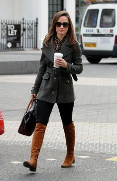 Pippa Middleton Photos - Pippa Middleton is seen walking to work in Chelsea. - Pippa in Tall Boots