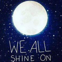 Sí! Todos brillamos.  Todos somos únicos, especiales, mágicos... Trata de buscar el origen de tu propia luz y no dejes de proyectarlo.  Incluso aunque la luna refleja la luz solar, no deja de ser la reina de la noche  Hay un lugar que sólo tú puedes iluminar. La respuesta está en tu corazón   #citas #quotes #frases #inspiración #luna #brillo #noche #nocturno #moon #lunar #magia #wisdom #sabiduría #shine #llamada #calling #talento #talent