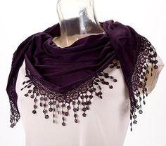 Fular triángulo púrpura con encajes suspendido 180 x 60 cm A069