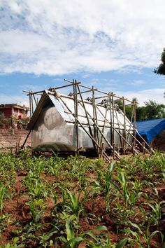 Image 1 of 24 from gallery of Temporary Shelter in Nepal / Charles Lai + Takehiko Suzuki. Courtesy of Charles Lai, Takehiko Suzuki Bamboo Architecture, Studios Architecture, Mobile Architecture, Concept Architecture, Nepal, Emergency House, Emergency Shelters, Bamboo Structure, Temporary Structures