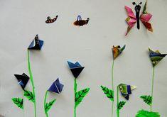 TULIPÁNY, KROKUSY A SNĚŽENKY | Výtvarná výchova - využít odpadový materiál ktvorbě různorodých květin (papírová koláž, origami, kresba fixy)  #kvetiny #kvetina #origami #origamipaper #cajove_sacky #skladani_papiru #vytvarka #flowers #flower #tea_bags #papirova_kolaz #paper_collage #kids_art #kids_craft #art_educationart #folding_paper Origami, Art, Art Background, Kunst, Origami Paper, Performing Arts, Origami Art, Art Education Resources, Artworks