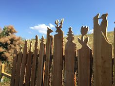 Holzzaun Holzzaun The Effective Pictures We Offer You About front Garden Planters A quality picture can tell you many things. Garden Fencing, Garden Planters, Indoor Garden, Balcony Garden, Front House Landscaping, Landscaping With Rocks, Potager Palettes, Modern Fence, Fence Design