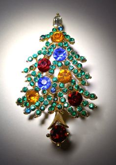 LISNER Christmas Tree Brooch Pin Colored by RenaissanceFair
