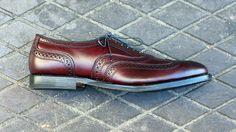 How to Wear it: The Allen Edmonds Merlot McAllister Wingtip Oxford…
