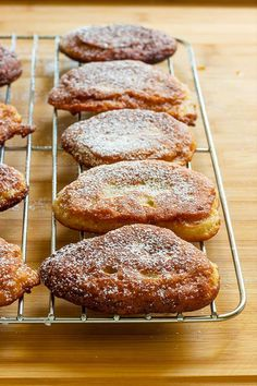 Super easy Jamaican banana fritters are light, fluffy and soooooo tasty. It is a cross between a donut and mini pancakes. Jamaican Desserts, Jamaican Cuisine, Jamaican Dishes, Jamaican Recipes, Carribean Food, Caribbean Recipes, Jamaican Banana Fritters, Jamacian Food, Island Food