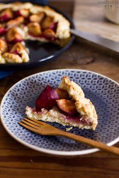 Plum pie with almonds :: readeat.pl